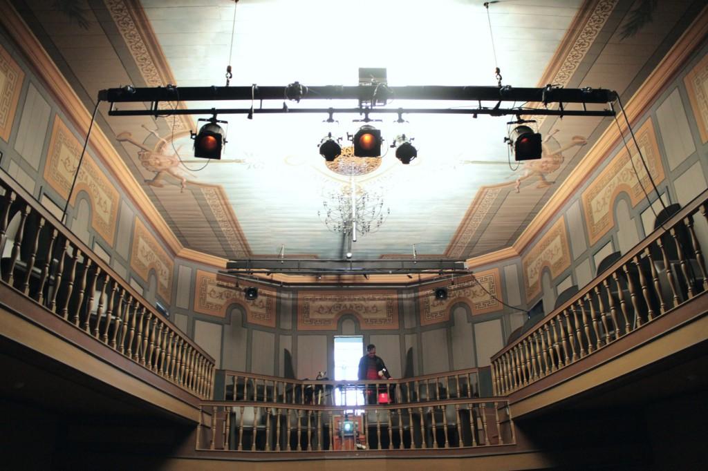 Teatro Esther De Carvalho