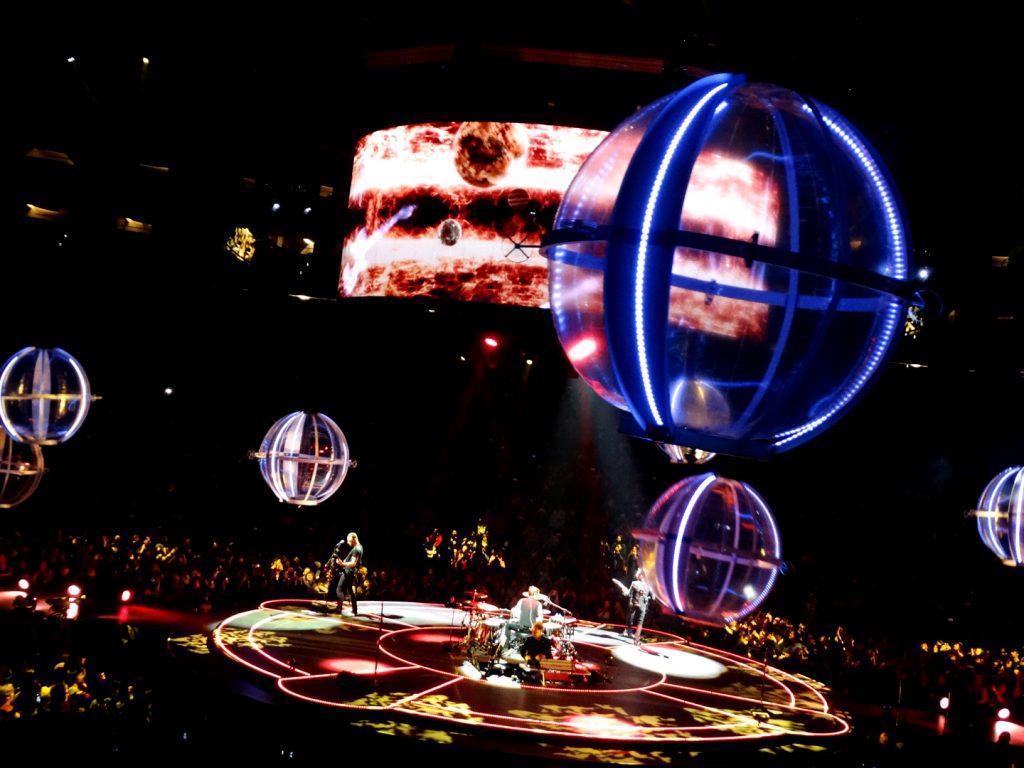 Muse - Drones Tour (par Moment Factory)